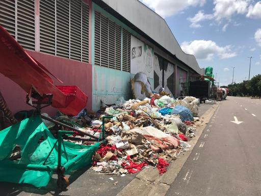 lixo avenida do samba 99aa7